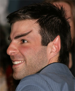 Zachary Quinto als Spock